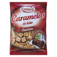 Bala caramelo de leite sabor chocolate Embaré pacote com 660g