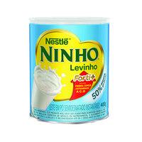 Leite semi desnatado em pó Ninho levinho Nestlé 400g.